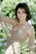 Shiri Appleby (18)