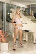 Ashlynn Brooke (29)