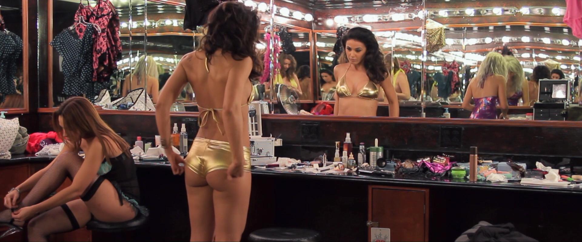 Emmanuelle chriqui butt scene in the borgias