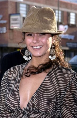 EmmanuelleChriqui (2)