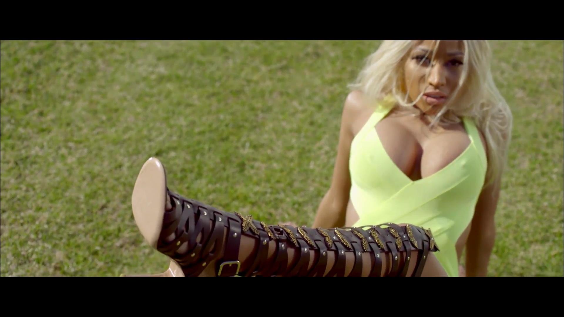 Nicki Minaj Sexy Boob Slip And Naked, Oops -9479