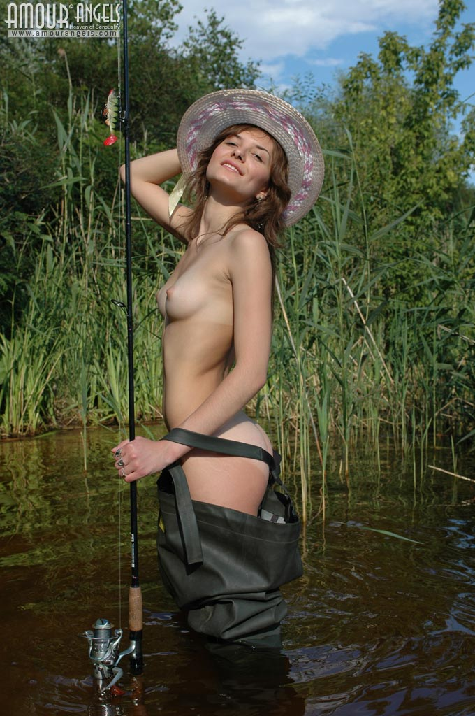 Naked Fishing  Doogleburger-8936