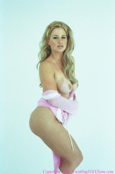 Tamara Whelan  nackt