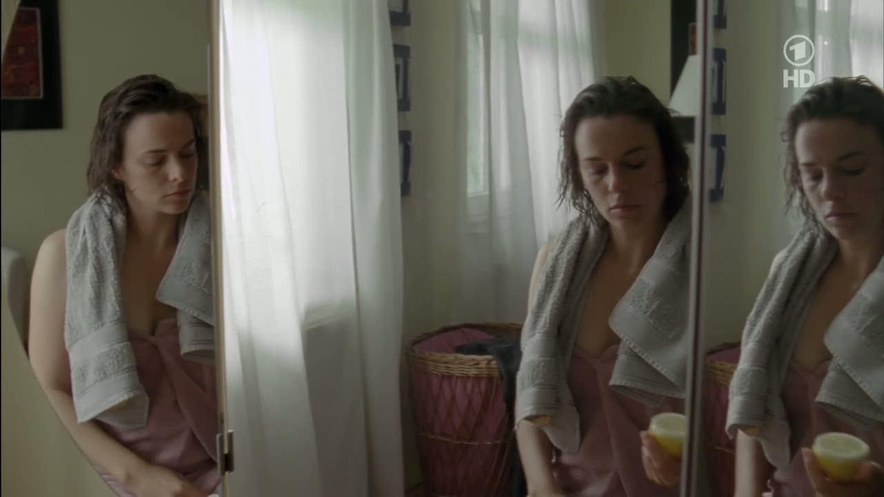 kim kardashian butt naked