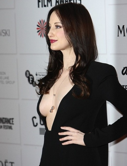 Andrea Riseborough (19)