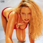 Diana Amft (26)