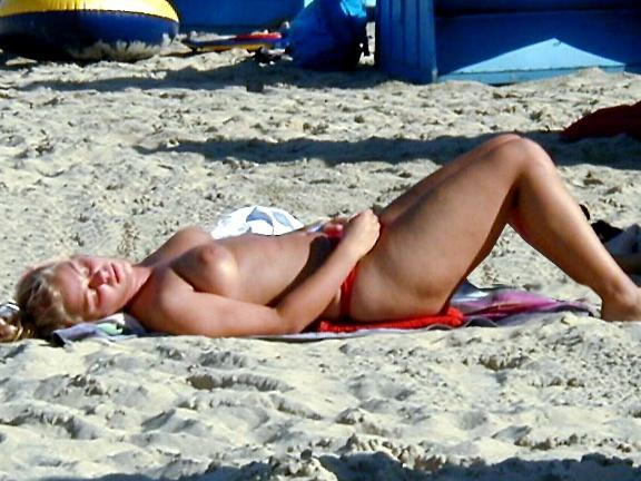 Kim naked on beach was