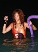 Rihanna  (52)