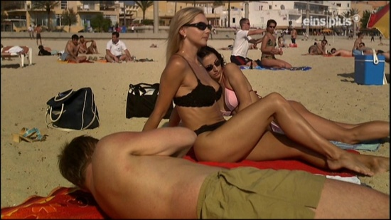 Mors Elling's topless beach girls (4)