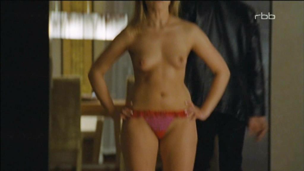 lindsay wagner nude pics