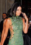 Kendall Jenner (42)