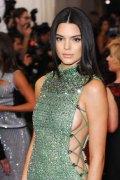 Kendall Jenner (60)