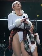 Miley Cyrus (35)