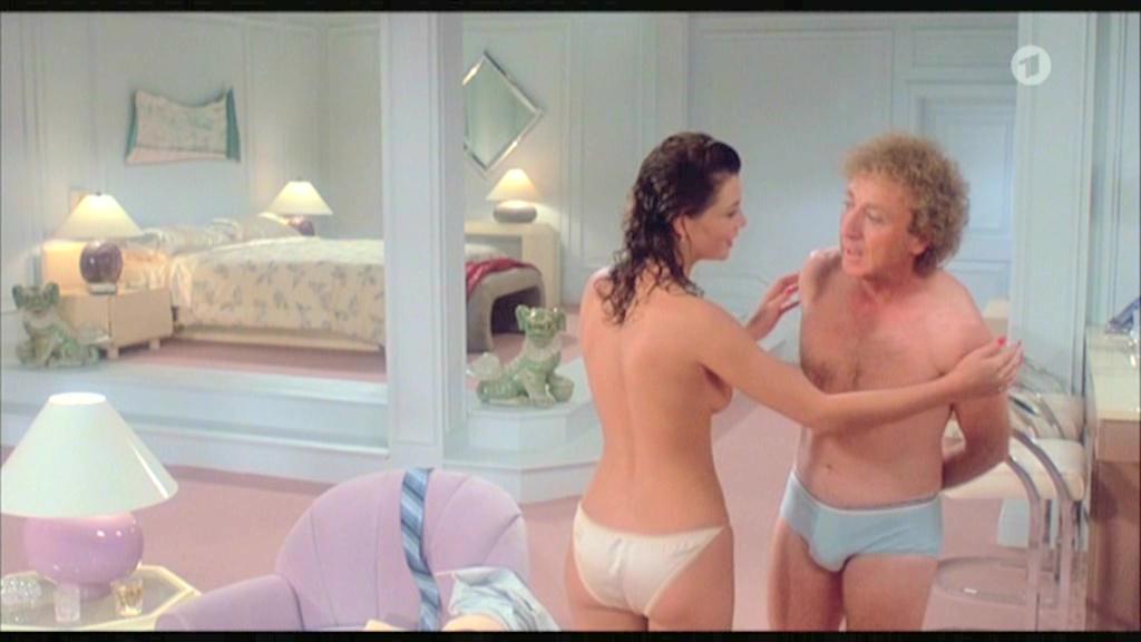 kelly-lebrock-sex-scene-young-girls-in-white-lingerie