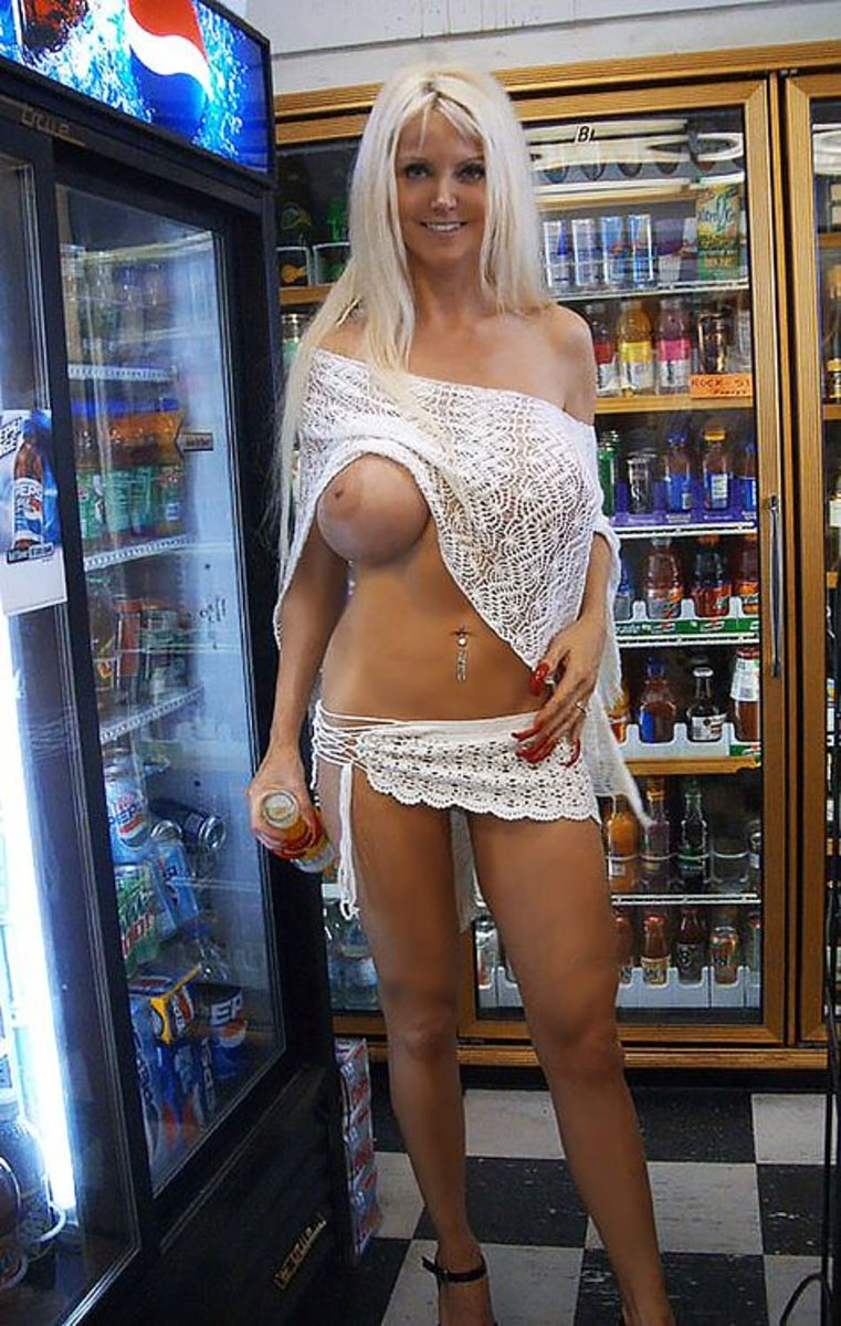Naked mature with long nipples