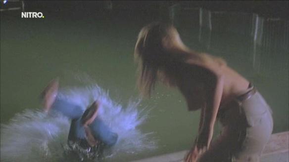 Nackt  Janie Squire Piranha (1978)