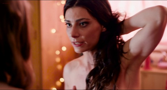 Valeria Hernandez  nackt