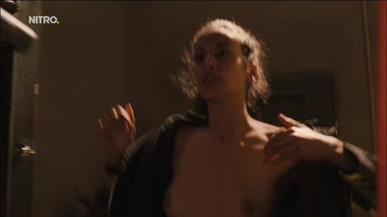 Jones nackt Katie  Katie Sigmond